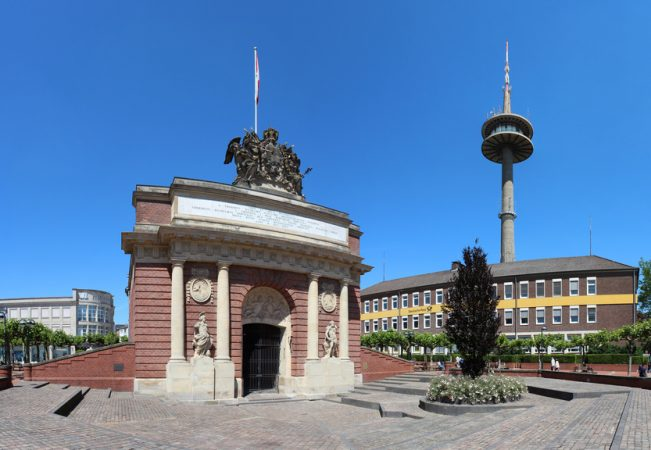 Berliner Tor und Fernsehturm Wesel